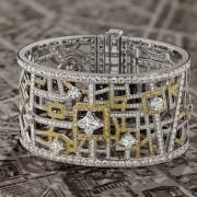 پاریس جواهر نشان بر دست شما