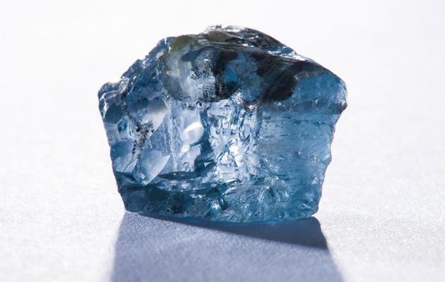 25 میلیون دلار برای الماس آبی استثنائی