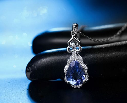 آویز با سنگ یاقوت کبود آبی و الماس با کد محصول ME.0011