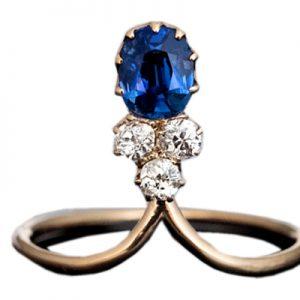 انگشتر با سنگ یاقوت کبود آبی و الماس با کد محصول RI.0037