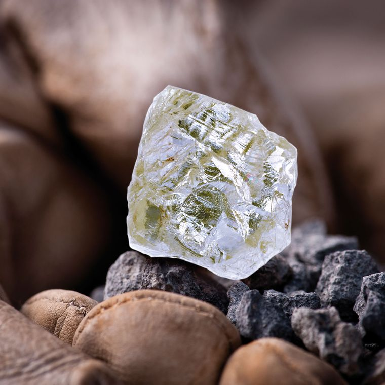 بزرگترین الماس معدن دیاویک