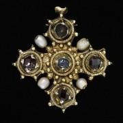 جواهرات قرون وسطی