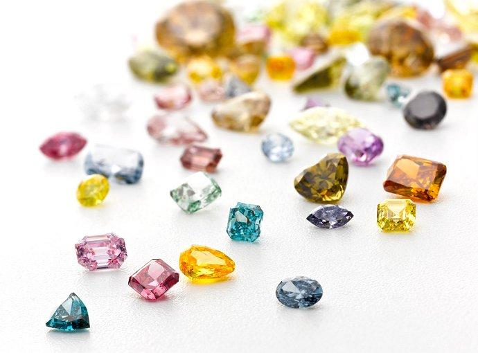 اقتصاد الماس های رنگی