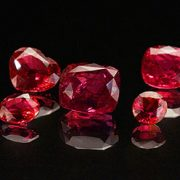 Identification spinel separate mineral
