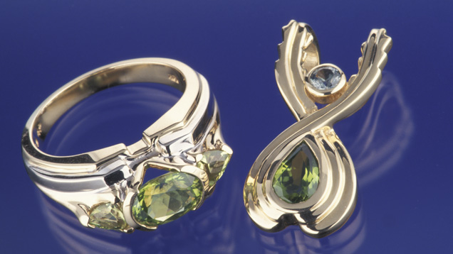PERIDOTE BEAUTIFUL GREEN