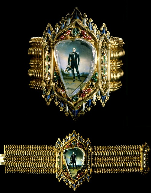 دستبند با تصویری از الکساندر اول