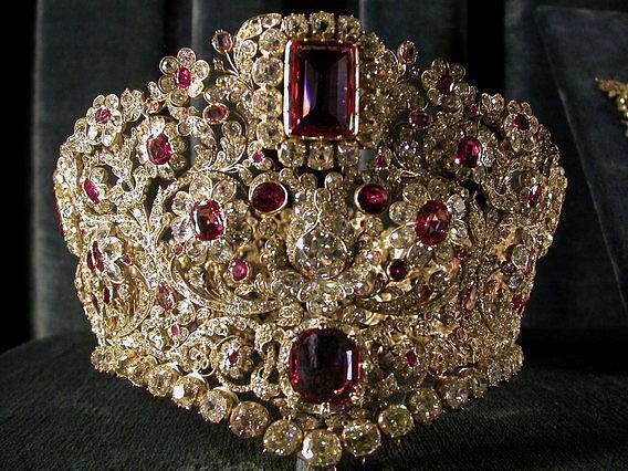 جواهرات سلطنتی ایران در دوره قاجاریه و پهلوی