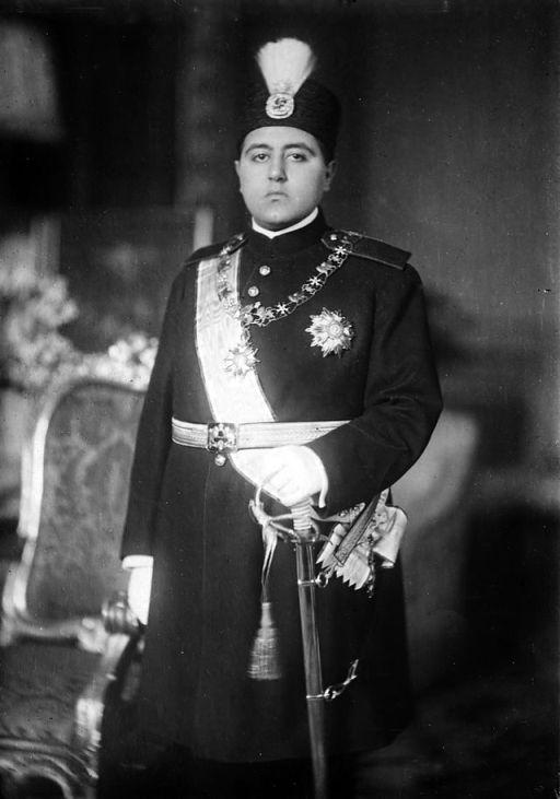 سلطان احمد شاه قاجار در سن 16 سالگی