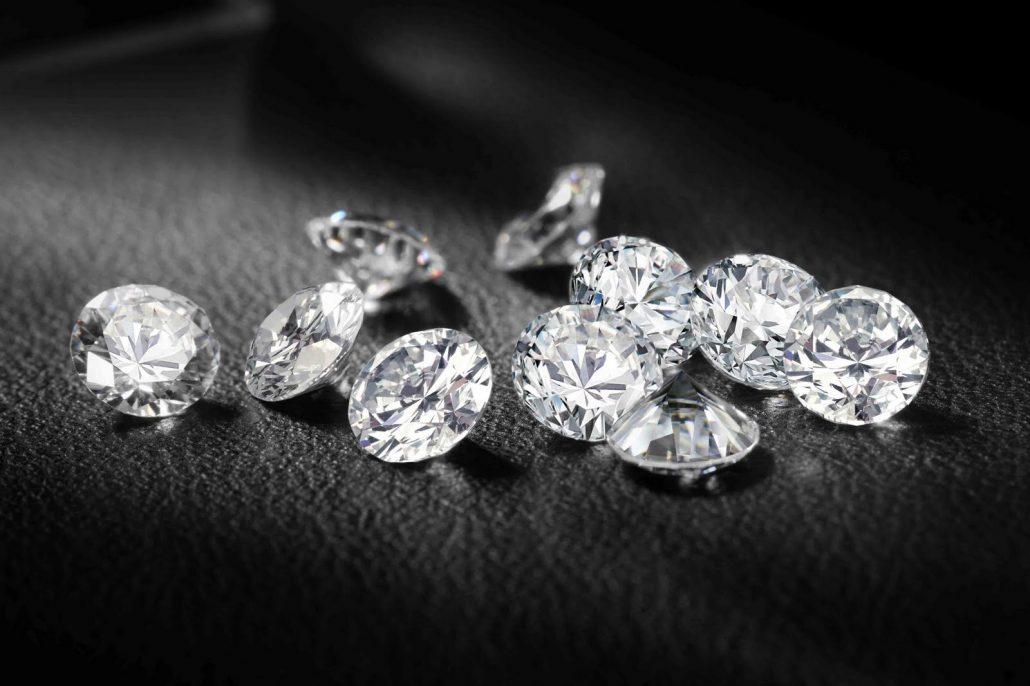 چگونه یک الماس واقعی را از غیر واقعی آن تشخیص دهیم